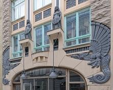Tallińska secesja ui Pikk 18.Smoki i egipskie elementy. teraz galeria sztuki Drakon
