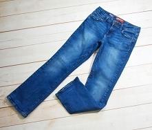 Sprzedam spodnie dziewczęce jeansowe R: 10L/140cm.  Opis  Zapinane na guzik i suwak  W pasie gumka z regulacją szerokości  Kieszonki  Kolor: niebieski  Wymiary:  Długość - 83cm;...