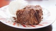 Brownie z lodami waniliowymi