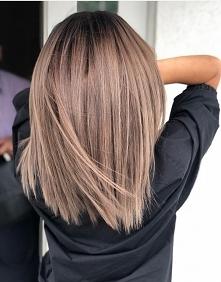 """Dziewczyny patrzcie jaki piękny kolorek włosów ten kolor nazywa sie """"zimne Kakao"""" przepiękny kolor polecam"""