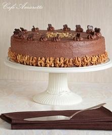 Tort orzechowy z kremem kak...