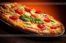 Pizza z pomidorami i karczo...