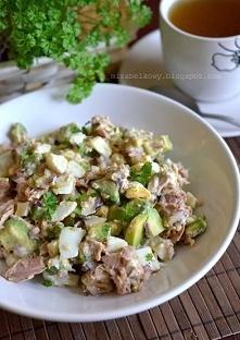 Sałatka z awokado i tuńczyka
