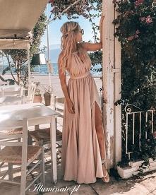 Długa sukienka w kolorze nu...