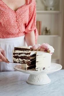 Tort wielkanocny z czekolad...