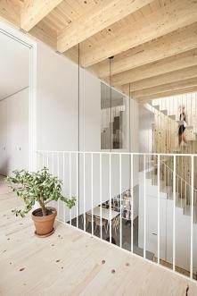 Biala balustrada