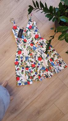 sukienka w kwiaty  do kupie...