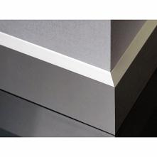 Nowoczesna gładka listwa przypodłogowa LPK610 Dekorplanet w kolorze Aluminium...