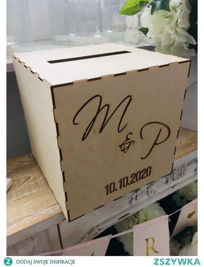 Drewaniane pudełko na koperty - Personalizowane w stylu boho