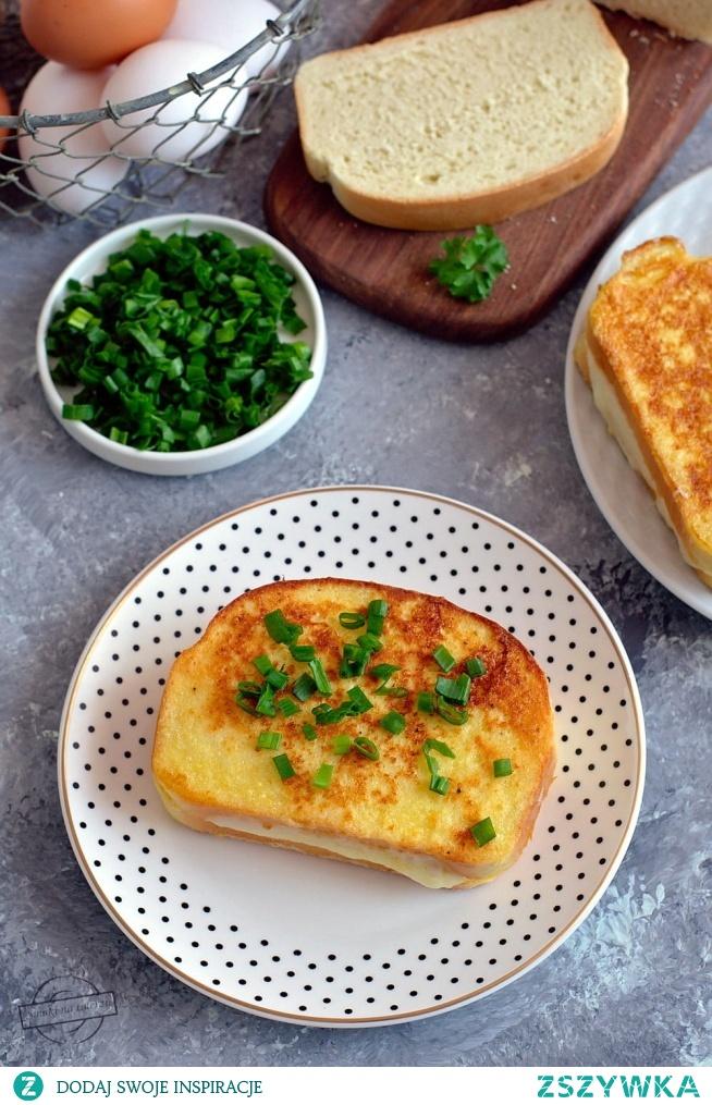 Chleb w jajku z żółtym serem