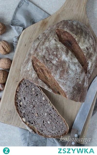Chleb z ziemiamaki i orzechami