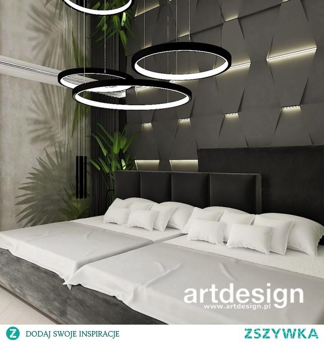 Nowoczesna sypialnia z ogromnym łóżkiem i oryginalną dekoracyjną ścianą 3d | SECOND TO NONE | Wnętrza rezydencji