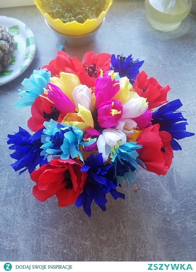 Pierwsze kwiaty z bibuły