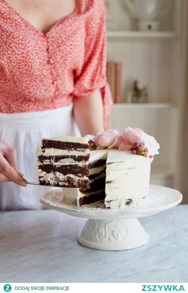 Tort wielkanocny z czekoladą, marcepanem i espresso-