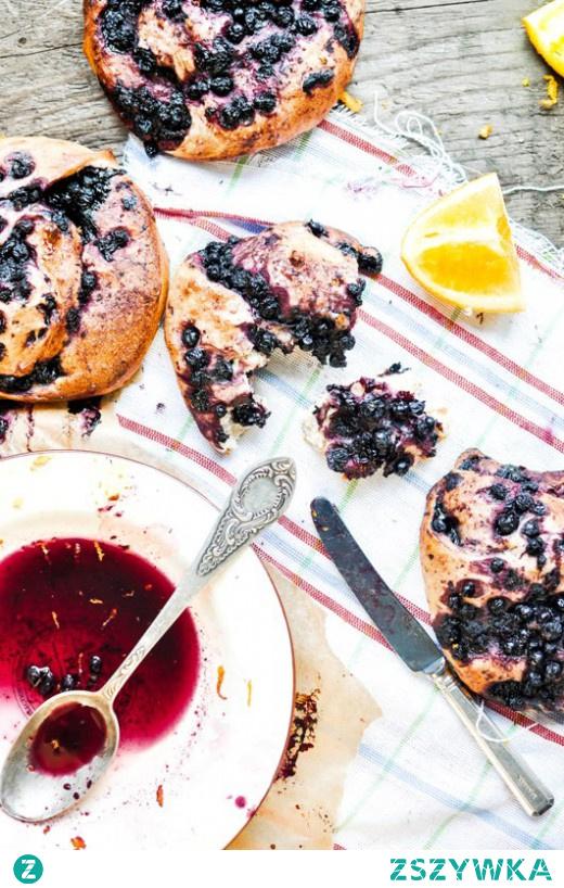 Szwedzkie bułeczki z jagodami wg Jamiego