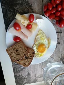 Dzisiejsze śniadanie, pierwszy raz wypróbowałam chleba za śliwką polecam pychota