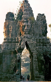 Brama Świątyni Angkor Thom ...