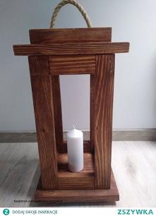 Drewniana latarnia ręcznie robiona.