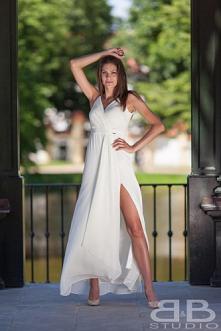 Biała sukienka - idealna na lato, idealna do wakacyjnej opalenizny :)