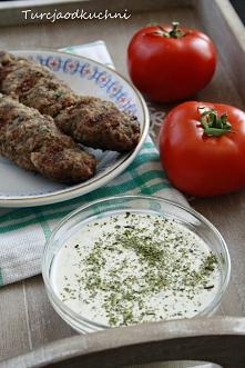 Sos haydari    250g jogurtu typu grecki ( w oryginale używamy süzme yoğurdu) łyżka kremowego białego sera lekko słonego, może być kostka serka kiri (w oryginale labne) ząbek czo...