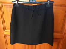 Czarna spódnica ze sznurecz...