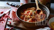spaghetti z pikantnym sosem...