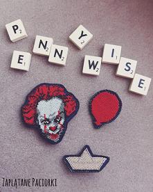Broszka Pennywise - tańczący klaun. Przerażający byt ,wcielenie zła zamieszkujący kanały pod miasteczkiem Derry... Kto z Was uwielbia horrory?