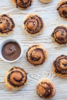 Bułeczki drożdżowe z czekoladą