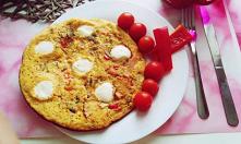 A na dziś omlet z papryka, pieczarkami, pomidorem i mozzarella... W końcu poszłam na właściey tor życia... Jem zdowo i w moim życiu zagościł ruch... Przez niezdrowe jedzenie czu...