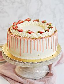 Tort TRUSKAWKOWY z kremem j...