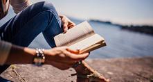 5 zalet czytania książek w ...