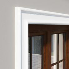DLE6 to listwa elewacyjna okienna wykonana ze styropianu EPS 200 i pokryta ma...