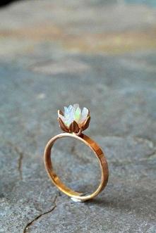 #pierścionek #kwiat
