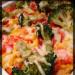 Zapiekanka makaronowa z kurczakiem, brokułem i papryką