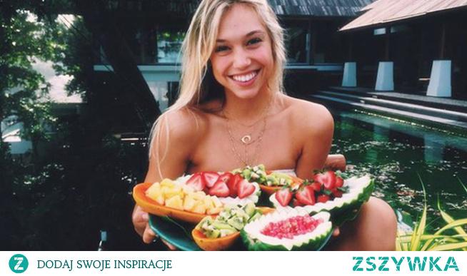 Ile owoce mają kalorii?