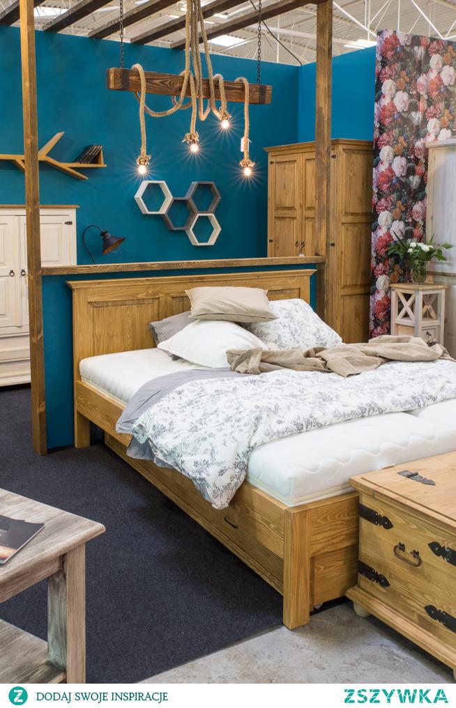 drewniane półki, lampy sznurowe i rustykalne meble :) meble-woskowane.com.pl