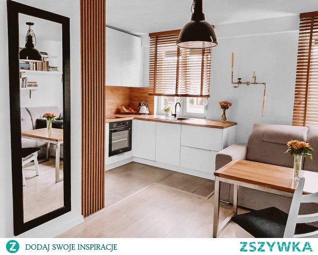 Żaluzje drewniane w kolorze JASNY DĄB - naturalne tworzywo stworzy w domu niepowtarzalny klimat :)