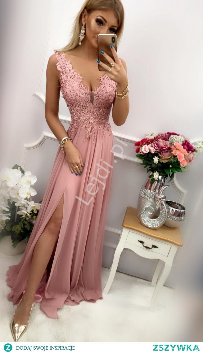 Fenomenalna sukienka wieczorowa w różowym kolorze z pięknie podkreślonym dekoltem. lejdi.pl