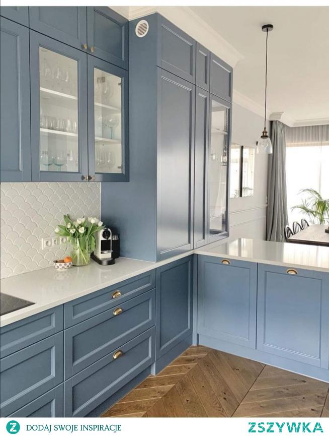 Niebiesko szara kuchnia