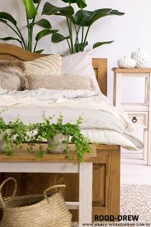 Sypialnia z meblami woskowa...