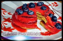 Placki proteinowe z owocami...