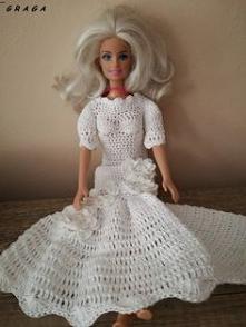 Biała sukienka dla Barbie