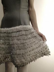 Sukienka z agrafkami - link...