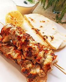 Greckie souvlaki z kurczaka