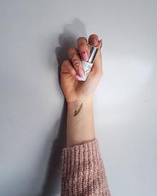 Everyone needs a little inspiration from time to time. @vasconailspolska 302 Skin  077 Violet dress 903 Supernova by Iwona Friede - Hadar . . . . . . #nails #nailstagram #nailsi...