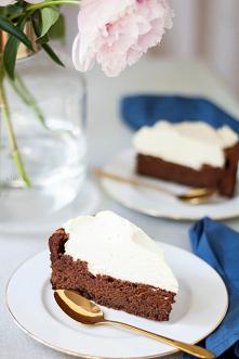 Czekoladowa chmura to wyjątkowe ciasto – totalnie czekoladowe, intensywne i p...