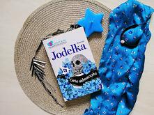 """""""Córka nieboszczyka"""" - Joanna Jodełka  Zadziorni, dowcipni bohaterowie uwikłani w kryminalną zagadkę ze sztuką w tle."""