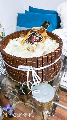 Tort Słonecznikowy w Kształ...
