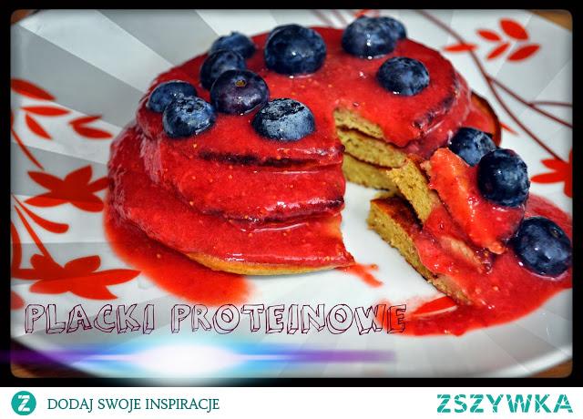 Placki proteinowe z owocami. Cały przepis w komentarzu :)