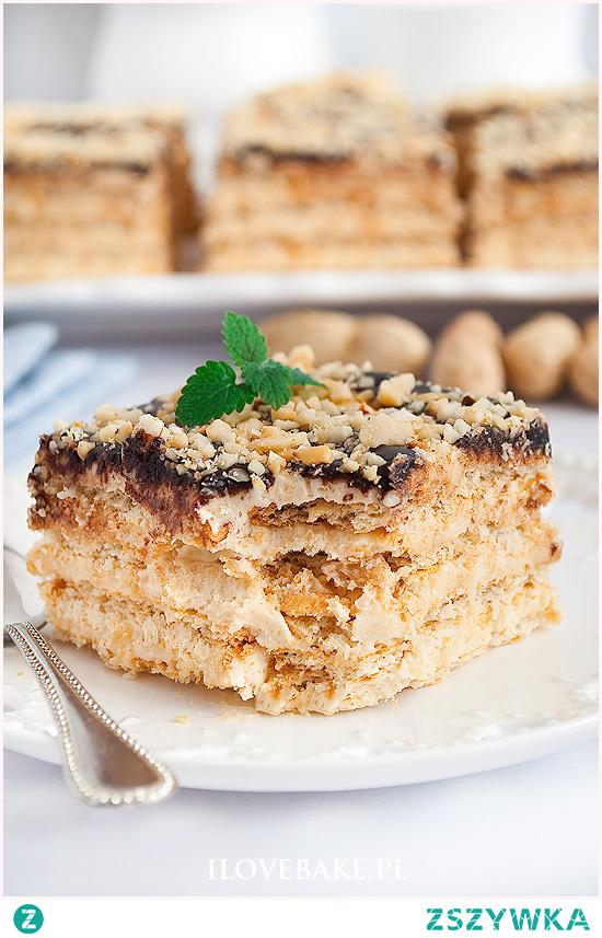 Ciasto z masłem orzechowym na krakersach